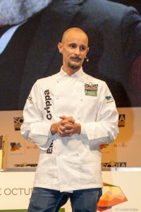 Enrico Crippa tres estrellas Michelin con su restaurante Piazza Duomo de Alba (Italia)