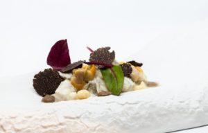 Plato elaborado con trufa por el restaurante La Lobita en las jornadas Soria y Trufa